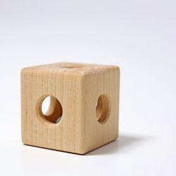 Houten kubus grijpspeeltje met bel, Grimms 08070