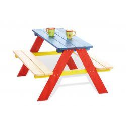 Houten picknicktafel gekleurd